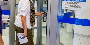 Projeto de escaneamento corporal em bancos gera polêmica em Holambra