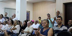 Moradores de Holambra comemoram aprovação de requerimentos pelo Legislativo