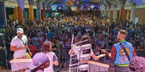 Carnaflores reúne mais de 10 mil foliões em Holambra